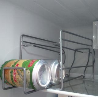 dispensador de latas nevera