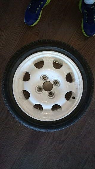 Rueda cocheros neumáticos 205