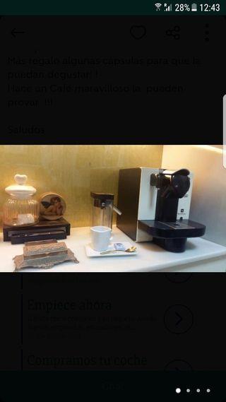 Cafetera Nespresso Delonghi