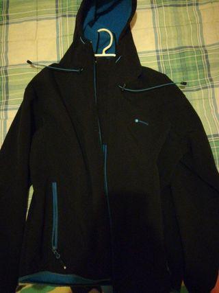 chaqueta marca mountain