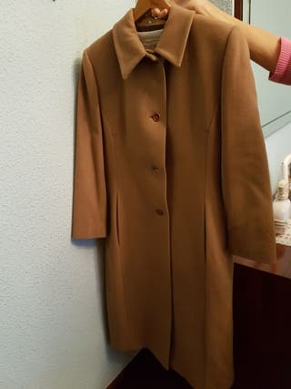 abrigo de paño talla 40 color Camel seminuevo