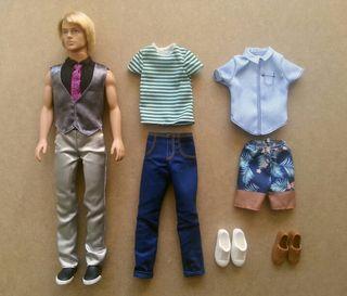 Ken de muñeca Barbie + 2 conjuntos