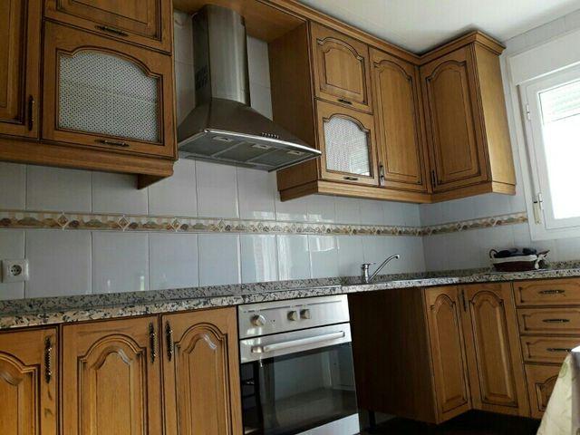 Muebles de cocina en madera maciza de segunda mano por 500 € en ...