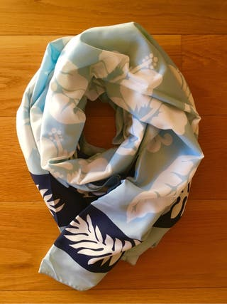 Gran pañuelo estampado para mujer