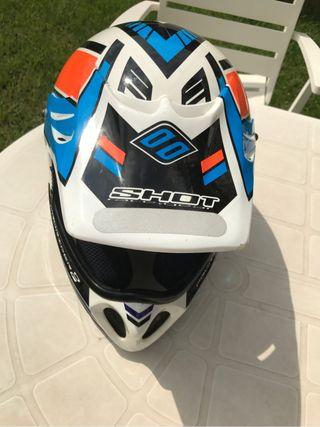 Casco moto Enduro. Shoot