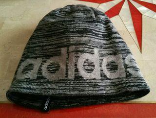 Gorro Adidas original.