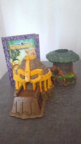 Juguetes y libro Gormiti