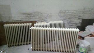 Nueve radiadores de acero Roca