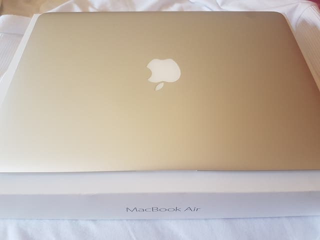 "Macbook Air 13"" 2015 i5 Impecable"