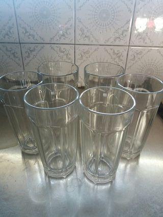6 vasos altos, a estrenar