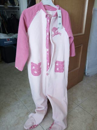 Pijama rosa entero sin estrenar talla5-6