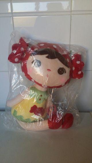 Muñeca de peluche Metoo