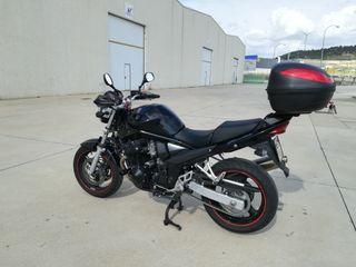 Moto Suzuki GSF 650 Bandit