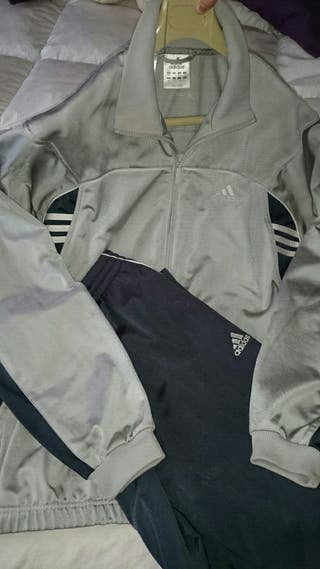 Madrid Wallapop En Chandal Mano Segunda Adidas Gris De wAzRYq