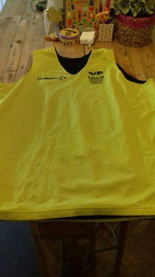 Camiseta reversible entrenamiento baloncesto.