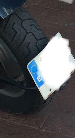 Portamatricula paso de rueda