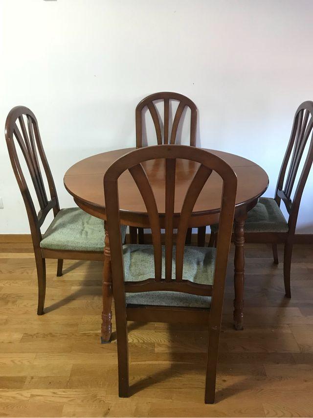 Mesa comedor con 4 sillas urge