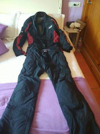 traje de motos marca IXS