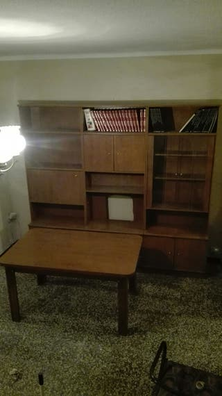 Mueble aparador con mesa comedor
