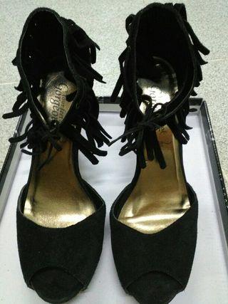 Sandalias de ante negro. Talla 38