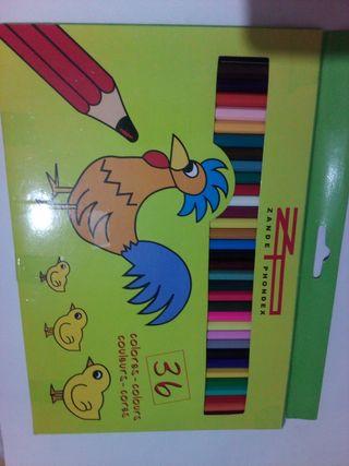 Material escolar: Lápizes, ceras y rotuladores.
