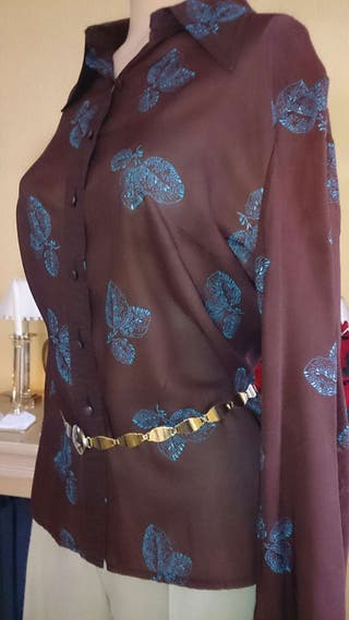 Camisa de fiesta en un diseño espectacula!!.