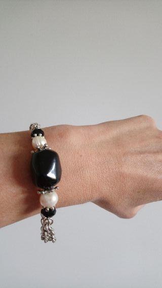 pulsera de metal,perla y onix