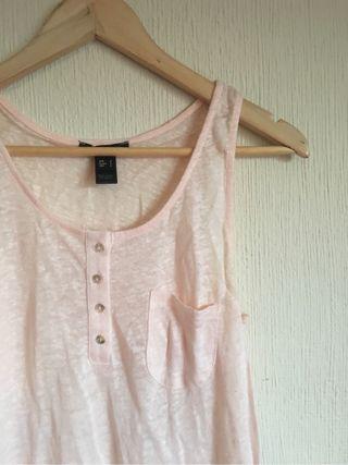 Camiseta punto rosa. MANGO