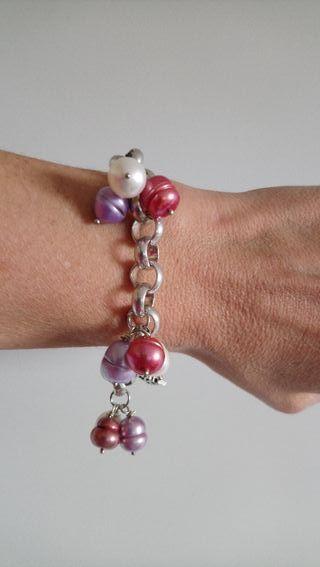 pulsera metal y perlas