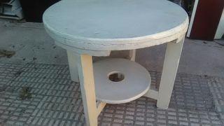 mesa baja blanca para restaurar