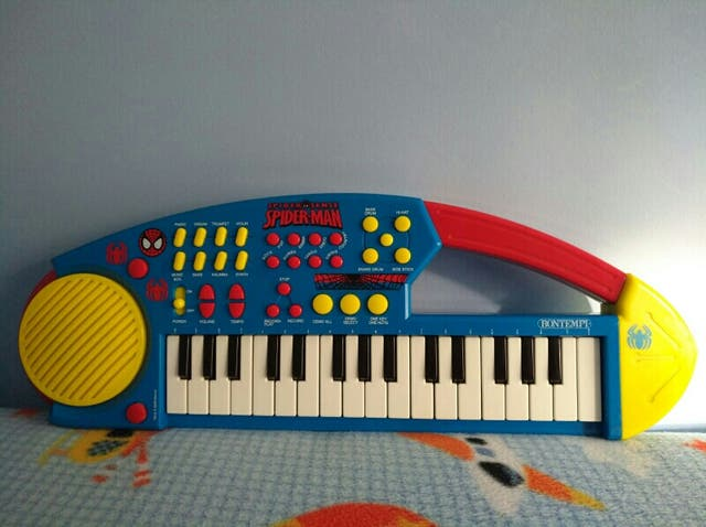 piano infantil spider man
