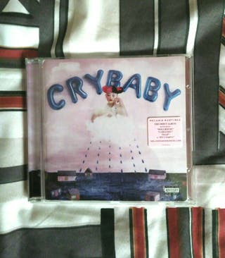 Melanie Martinez - Crybaby