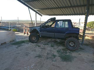 coche trial jeed cherokee