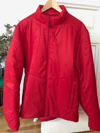 Abrigo rojo Uniqlo talla L