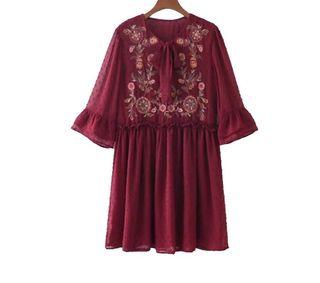 Vestido plumetti burdeos