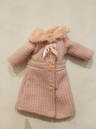 Abrigo rosa para muñeca Groovy girls.