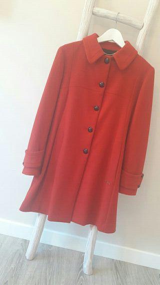 Abrigo rojo Thomas Burberry
