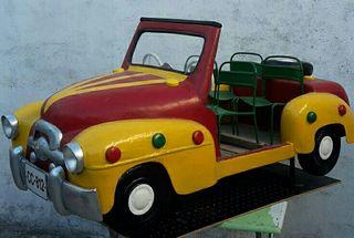 coche de niño restaurado todo de chapa