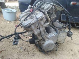 Motor honda cbr 600