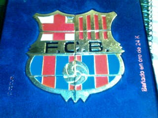 Insignia futbol club barcelona.. Oro 24kilates.