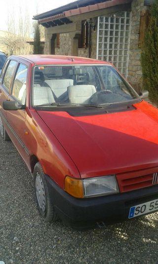 Fiat Uno Todo un clásico. 95500 kilómetros. Recién revisado y seguro 12 meses por 1099euros