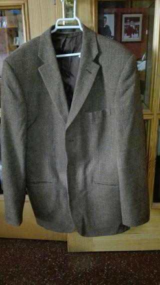 Americana de lana talla 52