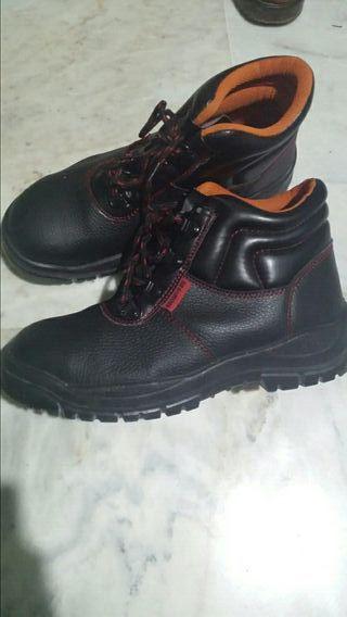 botas zapatos de trabajo