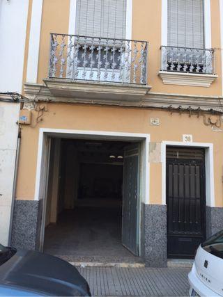 Casa Amplia en venta J.Pau