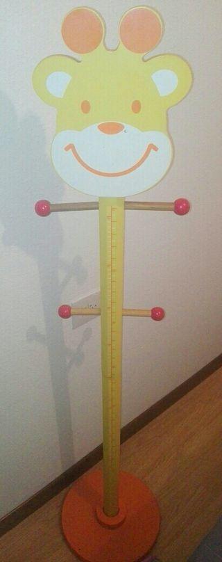 perchero infantil 1,35 m