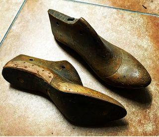 Hormas antiguas de zapatero
