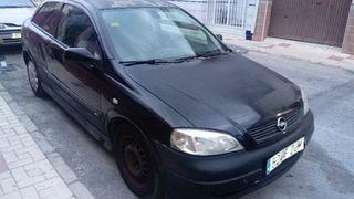 Opel Astra. 1.6 gasolina año 2003