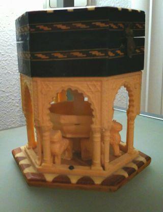 Joyero, Patio de los Leones de la Alhambra