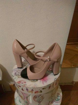 zapatos puntera bicolor