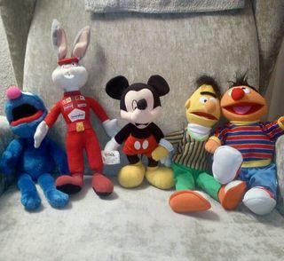 Muñecos varios